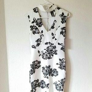 Dresses & Skirts - Black white floral mock neck dress
